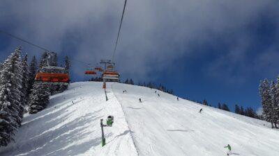 Nowoczesne ośrodki narciarskie w Szczyrku, Wiśle, Istebnej. Gdzie warto pojechać na narty w Polsce
